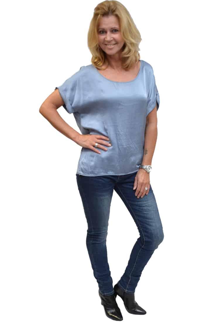 Gemma Ricceri Shirt Jeansblauw Zijkant