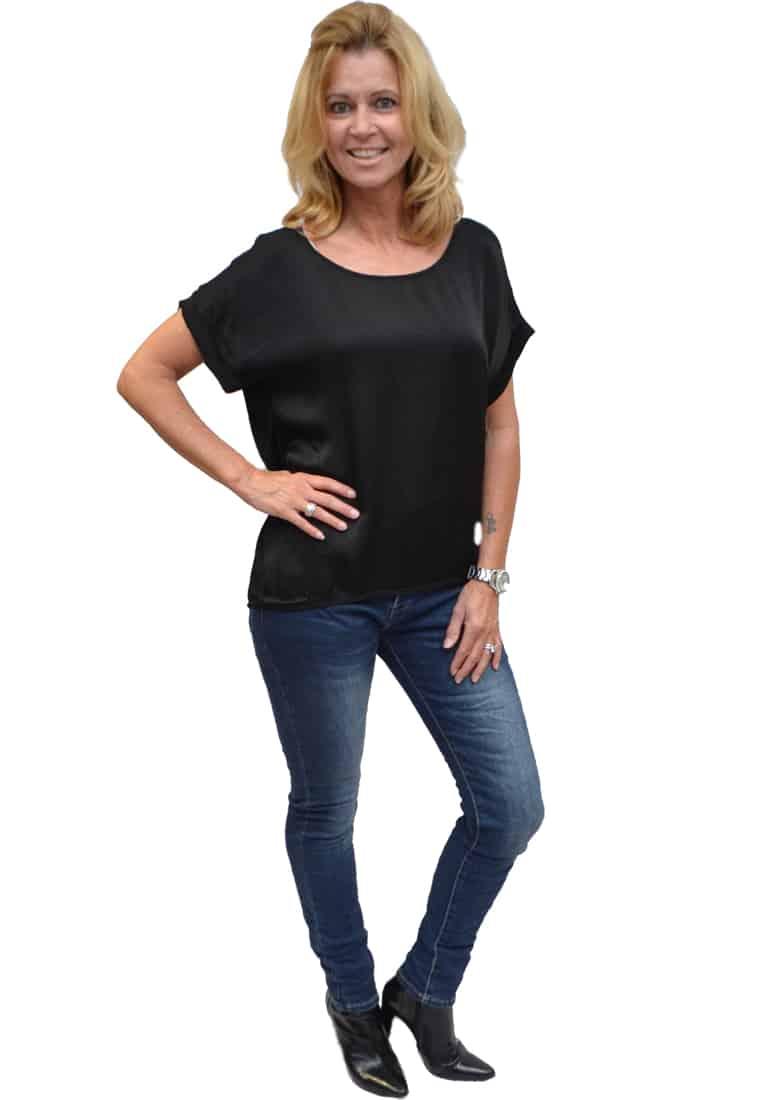 Gemma Ricceri Shirt Zwart Zijkant
