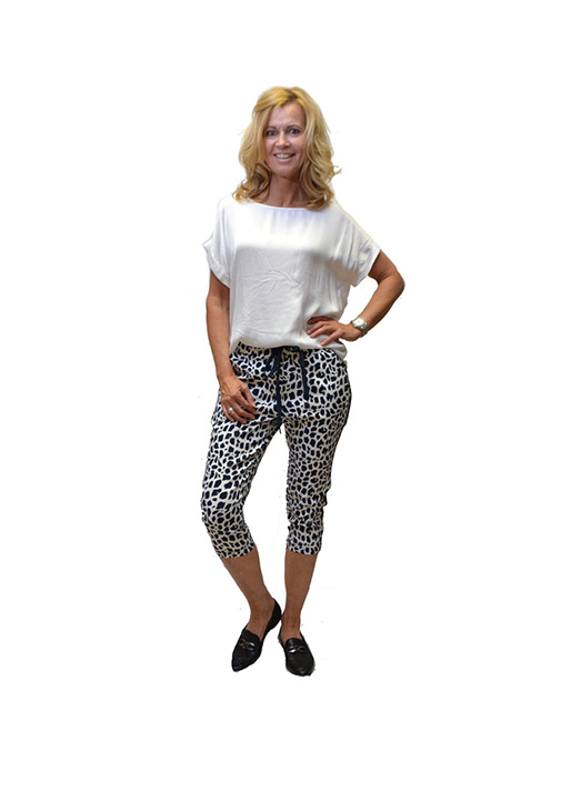 Vera Jo Travel Pants Panterprint Driekwartbroek Voorkant
