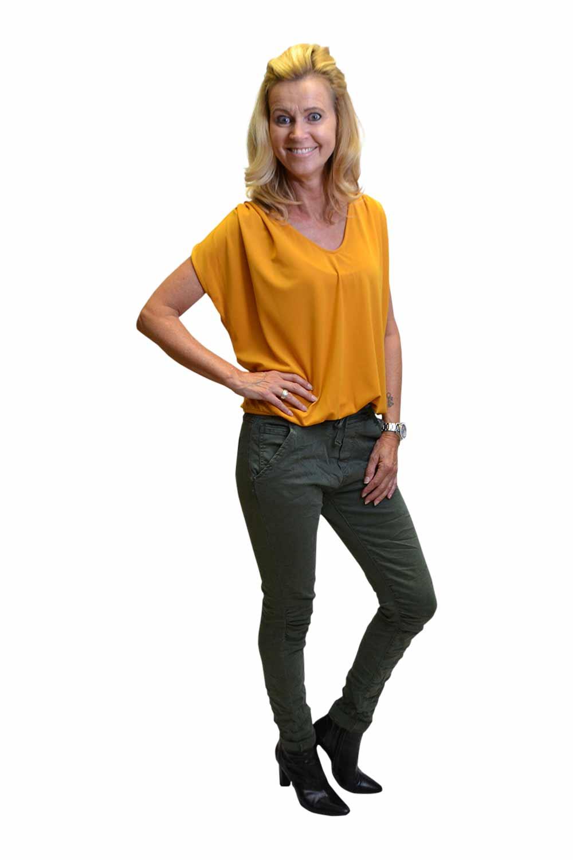 Melly & Co Groen Broek Janita Zijkant & Gemma Ricceri Shirt