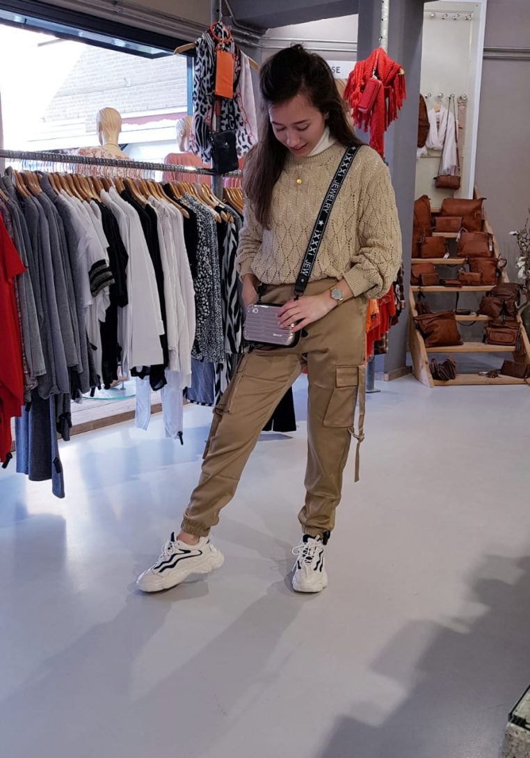 Trui One Size Regenboog Store3 Mode & Accessoires Broek Goudkleur Trendy en Betaalbaar