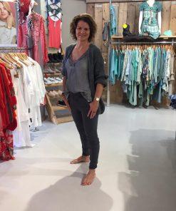 Kanten Top Lola Antraciet & Vest Antraciet Gebreid Antra & Melly & Co Broek Antraciet Bonita